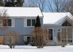 Foreclosed Home en JAIME DR, Johnston, RI - 02919
