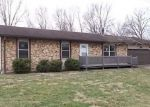 Foreclosed Home en MEADOW DR, Troy, IL - 62294