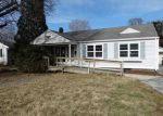 Foreclosed Home en E SUPERIOR AVE, Jacksonville, IL - 62650