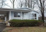 Foreclosed Home en GRAND AVE, Clarks Summit, PA - 18411