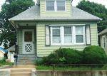 Foreclosed Home en HOME ST, Somerset, NJ - 08873