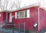 Foreclosed Home en NASSAU ST, North Brunswick, NJ - 08902