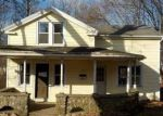 Foreclosed Home en N MAIN ST, Waterbury, CT - 06704
