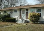 Foreclosed Home en LIVERPOOL ST, Warwick, RI - 02886