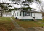Foreclosed Home en N 10TH ST, Benton, IL - 62812