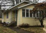Foreclosed Home en E WOODSIDE ST, South Bend, IN - 46614