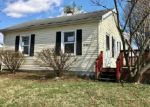 Foreclosed Home en NATIONAL TPKE, Fairdale, KY - 40118