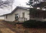 Foreclosed Home en E DECKERVILLE RD, Caro, MI - 48723