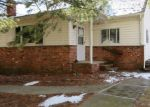 Foreclosed Home en BROADWAY, West Milford, NJ - 07480