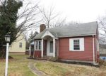 Foreclosed Home en DENISON RD, Middletown, CT - 06457