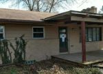 Foreclosed Home en N WAVERLY RD, Lansing, MI - 48917