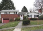 Foreclosed Home en MAYFLOWER DR, Uniontown, PA - 15401