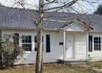 Foreclosed Home en SPRING AVE, Centerville, TN - 37033
