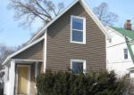 Foreclosed Home en COLLEGE AVE, Holland, MI - 49423