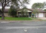 Foreclosed Home en MATULA AVE, Schulenburg, TX - 78956
