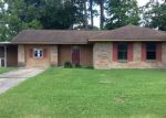 Foreclosed Home en HICKORY ST, Vidor, TX - 77662