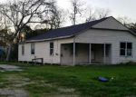 Foreclosed Home en N 12TH ST, Highlands, TX - 77562