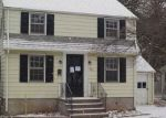 Foreclosed Home en FERN CIR, Waterbury, CT - 06708