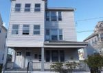 Foreclosed Home en LINWOOD ST, New Britain, CT - 06052