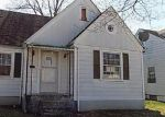Foreclosed Home en W ASHLAND AVE, Louisville, KY - 40215