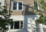 Foreclosed Home en 8TH ST, Union City, NJ - 07087