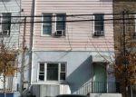 Foreclosed Home en 8TH ST, Union City, NJ - 07087