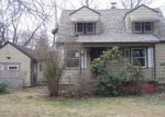 Foreclosed Home in WOODSIDE DR NW, Warren, OH - 44483