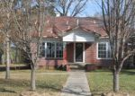 Foreclosed Home en W MAIN ST, Henderson, TX - 75652