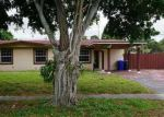 Foreclosed Home en TYLER ST, Hollywood, FL - 33024