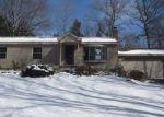 Foreclosed Home en HILLCREST DR, Tolland, CT - 06084