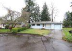 Foreclosed Home en RIVERDALE DR, Gladstone, OR - 97027