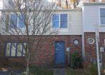 Foreclosed Home en TUDOR LN, Trenton, NJ - 08648