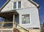 Foreclosed Home en E HENRICHS ST, Litchfield, IL - 62056