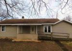 Foreclosed Home en COLLEGE ST, Henry, IL - 61537