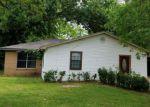 Foreclosed Home en DONALD DR, Alexandria, LA - 71302