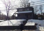 Foreclosed Home en COLONIAL AVE, Waterbury, CT - 06704