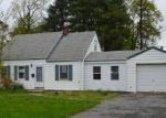 Foreclosed Home en VILLAGE RD, Pompton Plains, NJ - 07444