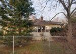 Foreclosed Home en LONGNECK BLVD, Riverhead, NY - 11901