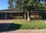 Foreclosed Home en CARVER AVE, Texas City, TX - 77591