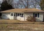 Foreclosed Home en BUNKER HILL AVE, Waterbury, CT - 06708