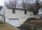 Foreclosed Home en PATTERSON ST, Torrington, CT - 06790