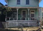 Foreclosed Home en WARNER ST, Newport, RI - 02840
