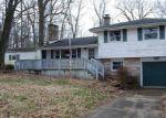 Foreclosed Home en HILLCREST RD, Saint Louisville, OH - 43071