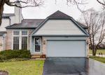 Foreclosed Home en COACH DR, Naperville, IL - 60565