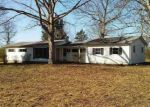 Foreclosed Home en ROCK SPRINGS RD, Charlotte, TN - 37036