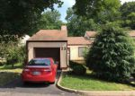 Foreclosed Home en ELLEN HEATH DR, Matawan, NJ - 07747