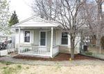 Foreclosed Home en OAKWOOD AVE, Alton, IL - 62002