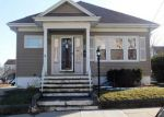 Foreclosed Home en ORCHARD ST, East Providence, RI - 02914