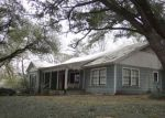 Foreclosed Home en AVENUE P, Huntsville, TX - 77340