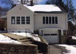 Foreclosed Home en ELLSMERE AVE, Waterbury, CT - 06705